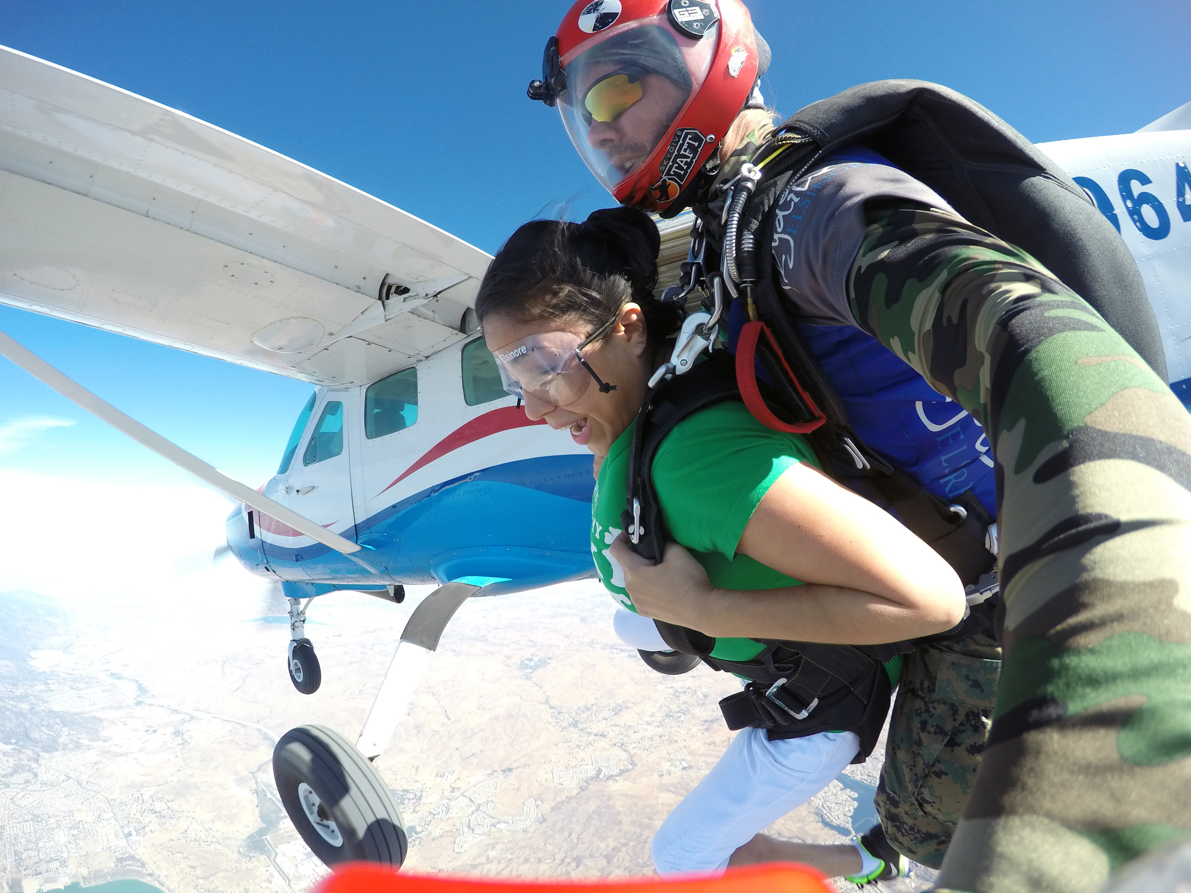 Learn to sky dive
