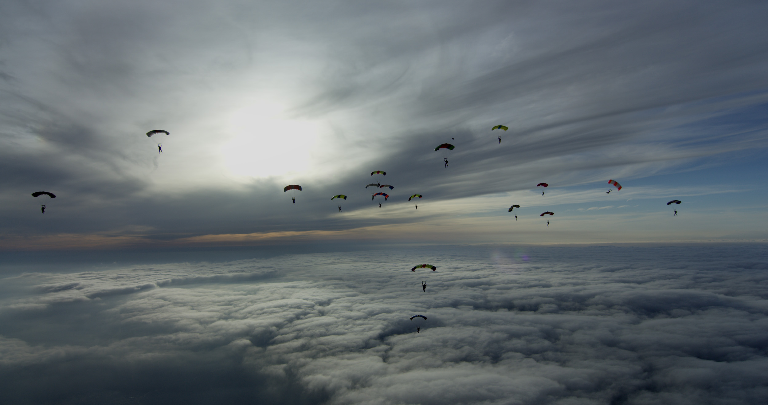 Experienced skydivers, ready for film action